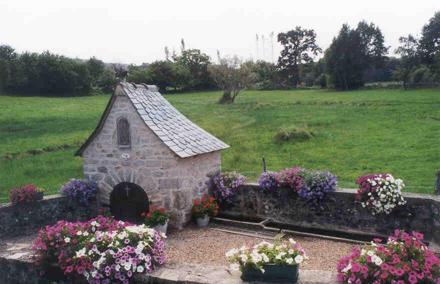 fontaine de saint-pierre à Saint-paul (Corrèze)